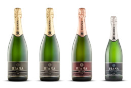 Label for sparkling wines and wines